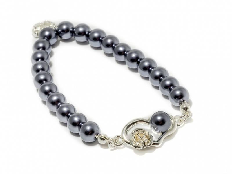80136 Armbånd strikk grå perler hjerte med rose